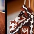 Sino-polynésien ! La rencontre d'un patron japonais : Carnets de couture Sacs et pochettes, modèle 11 (celui de la couverture à gauche) et d'un authentique tissu vintage polynésien du début […]